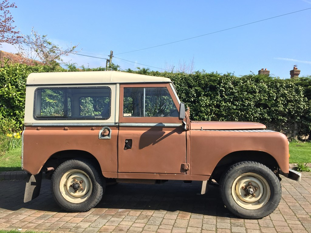 Messing about in rural devon with an old land rover called bertie